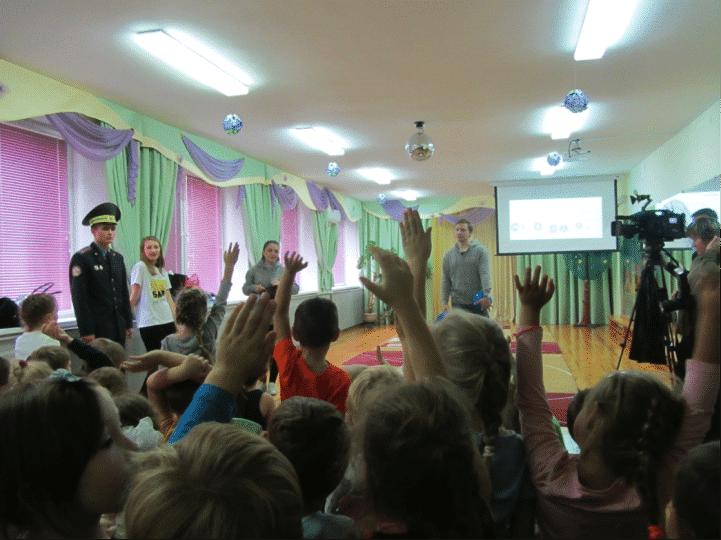 Pre-school children in Minsk practice safe cycling